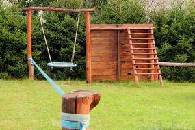 dětské hřiště před pensionem Svatý Florian